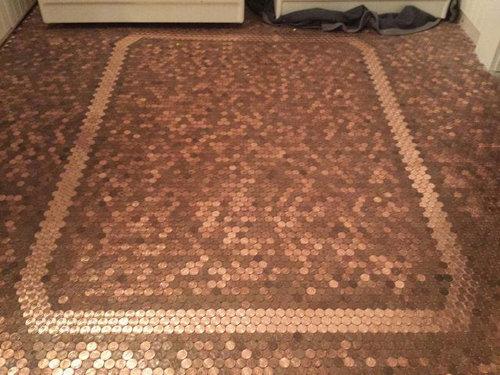1セント硬貨を床に敷いた家04