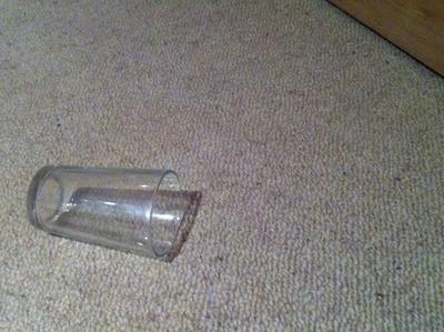 ガラスのコップ01