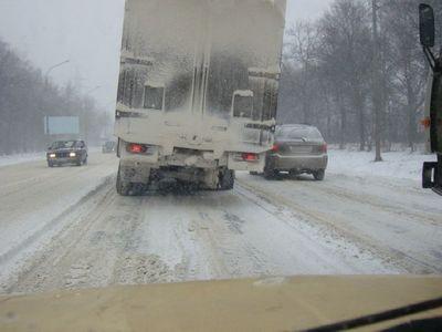 ロシアのトラックはタイヤが一個くらい無くても平気21