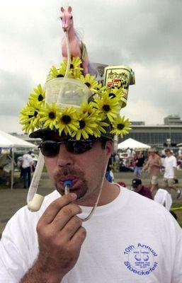 変な帽子06