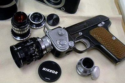 スパイ映画に出てきそうな隠し武器04