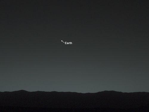 火星から地球を見上げると、こう見える02