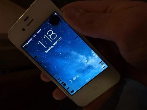 紛失したiPhoneが氷の下から見つかった04