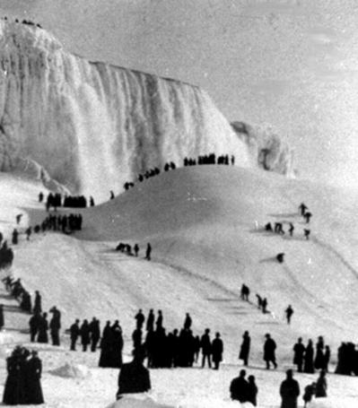 ナイアガラの滝が凍る04