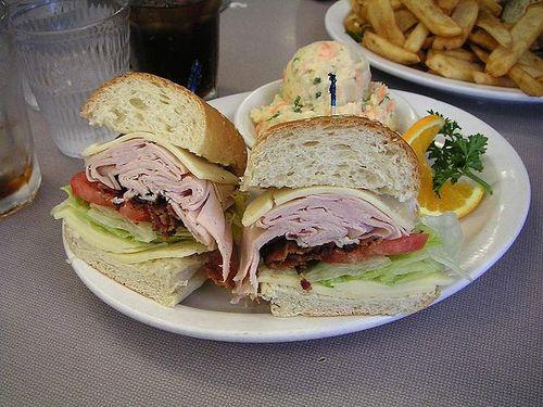 出産するとサンドイッチを配達するレストラン00