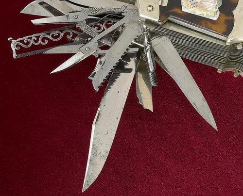 究極のアーミーナイフ03