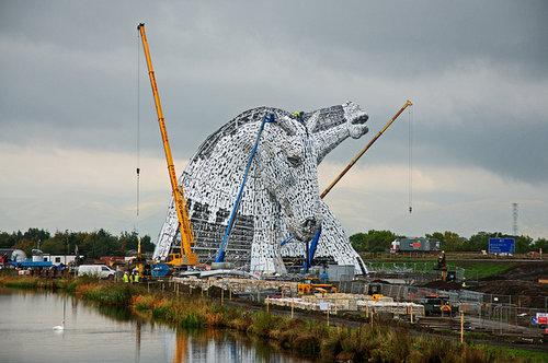 スコットランドにケルピーの巨像09