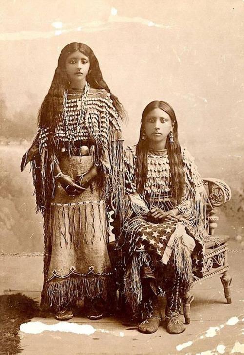 アメリカ先住民の女の子たち14