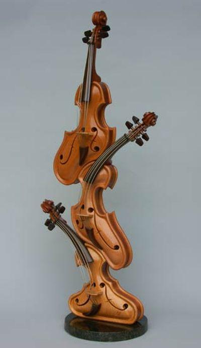変わった形のバイオリン13