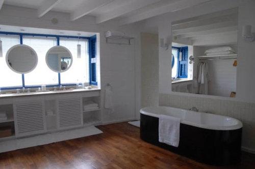 モルディブの小舟のようなホテル11