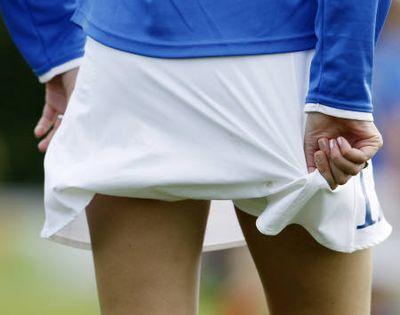 ミニスカート採用で人気沸騰…オランダの女子サッカー01