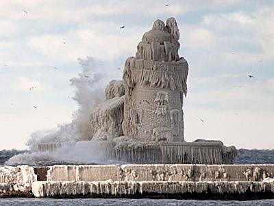 凍った灯台02
