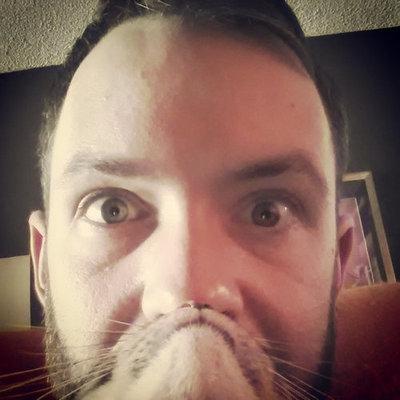猫でヒゲ遊び05