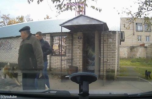 ロシアでは歩道でも左右を確認したほうがいい理由03