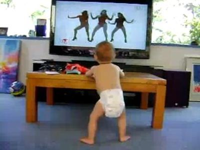 オムツの赤ちゃんがビヨンセに対抗してセクシーダンス