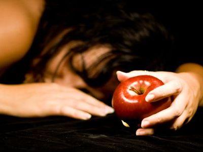 白雪姫がアップルを食べる00