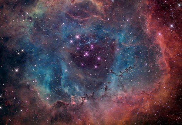 心ときめく美しさ…宇宙に存在する40の銀河・星雲の写真