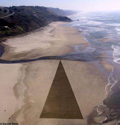 砂浜に描いた5kmに及ぶ巨大なアート04