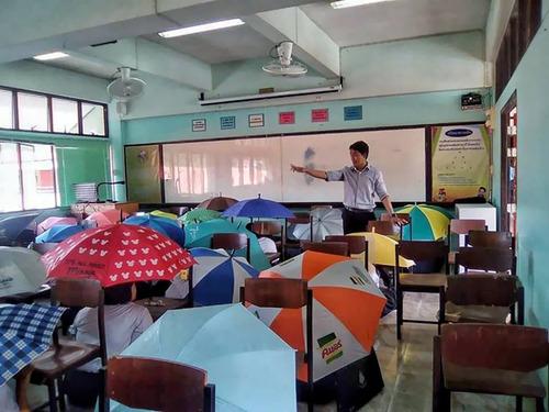 海外の教師たちのカンニング防止05
