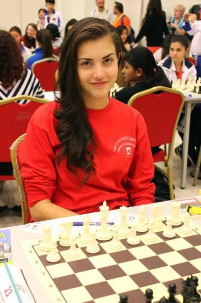 カナダの美人チェスチャンピオン12