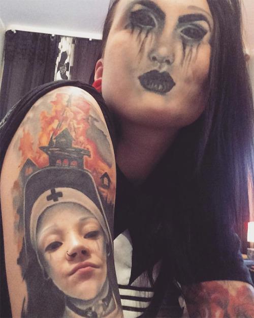 タトゥーと顔交換アプリを使うとホラーになる03