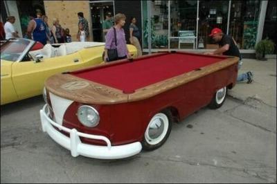 変な車08