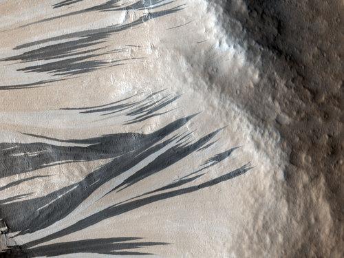 火星の謎の縞模様01