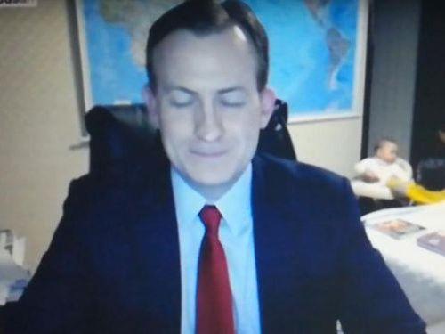 BBCワールドニュースの生放送中に子供が乱入10