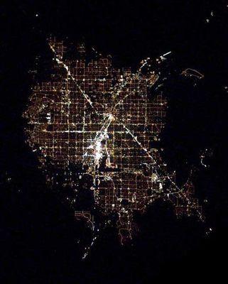 宇宙ステーションから見た世界の大都市の夜景06