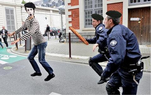 フランス警察の追跡07