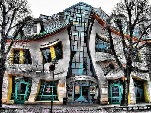 ポーランドの変わった建物01