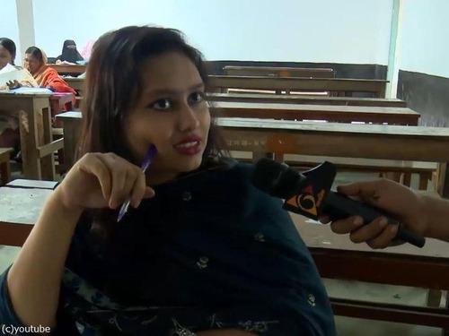バングラデシュの女性議員、大学の試験で替え玉02