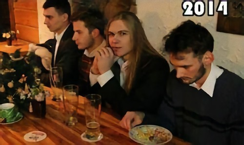 親友4人が9年間同じ写真04