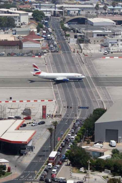 ジブラルタル空港02