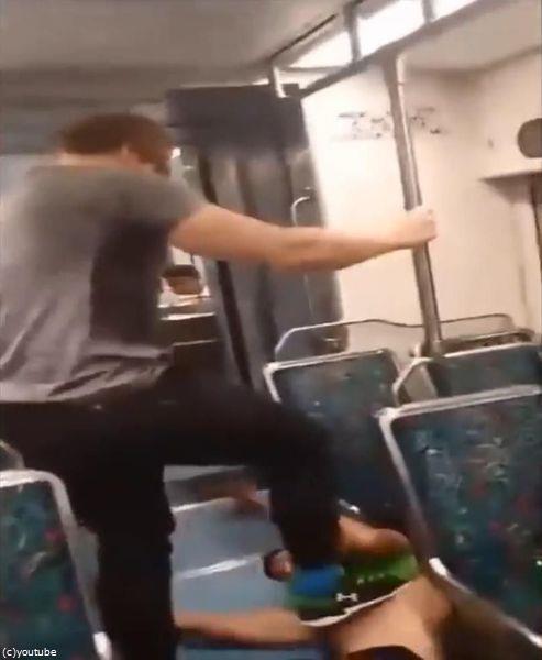 電車でケンカをふっかけていた08