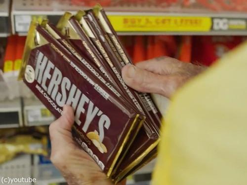 93歳のおじいちゃんが6000枚のチョコレートを買った理由00