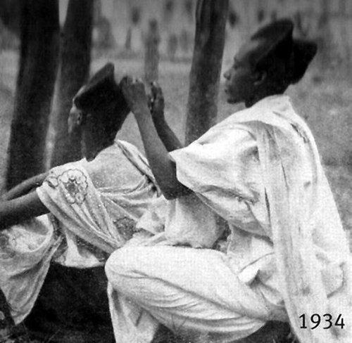 100年前のルワンダの伝統的な髪型05