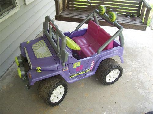 バービーの車を男の子向けの車にリサイクル01