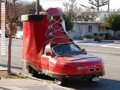 靴の形をした車04