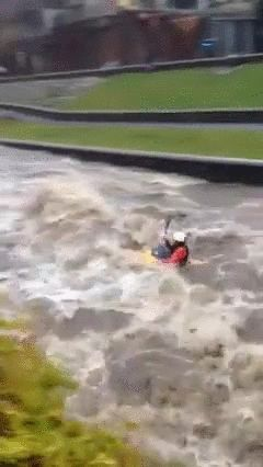 大学が洪水06
