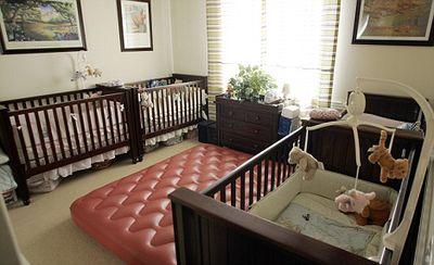 レズビアンのカップルが体外受精でそれぞれ双子を出産03