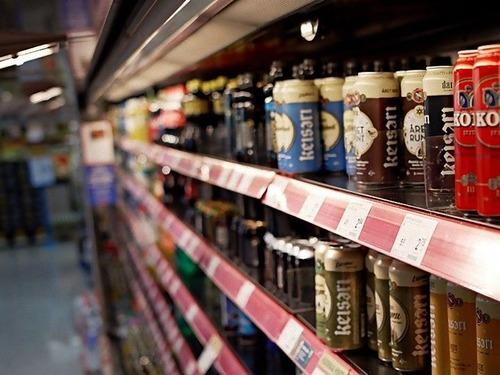 フィンランドはビールを1000缶単位で販売00