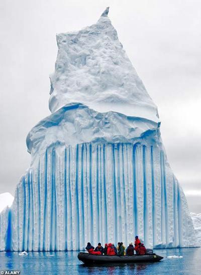 大理石やミントキャンディのような氷山04