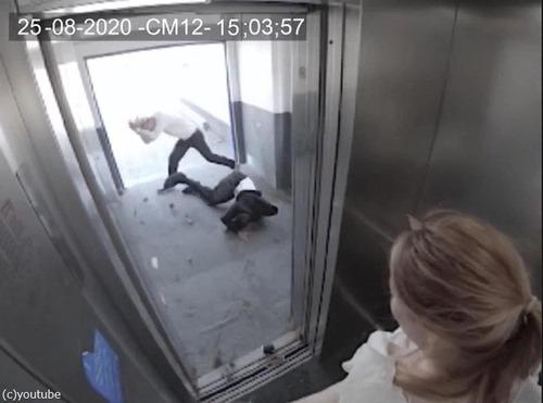 エレベーターと強風04