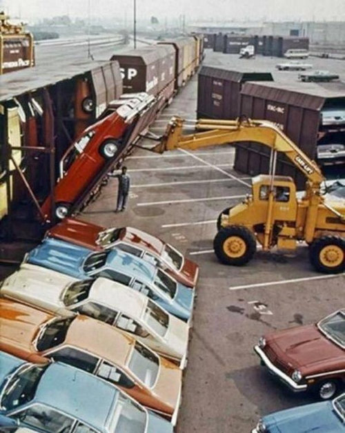 70年代の車の運搬のしかた01