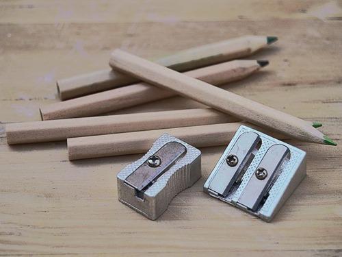 この鉛筆削りは芯の真ん中を削らない