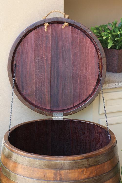 ワイン樽から作った家具11