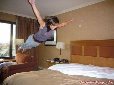 ベッドの上の少女たち07