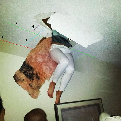 女の子が天井から落ちてきた02