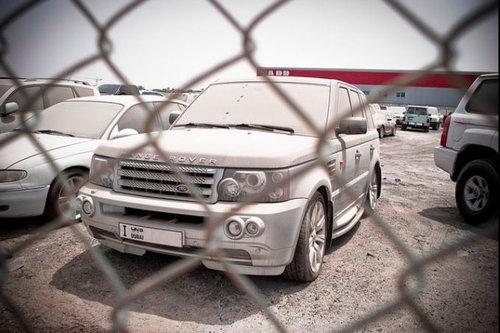 ドバイに乗り捨てられた車06